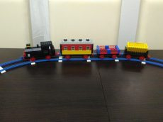 Lego train3 - 126 locomotive train set with 3 wagons without motor